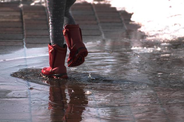 Piogge intense: AIM Ambiente ha provveduto allo spazzamento delle caditoie